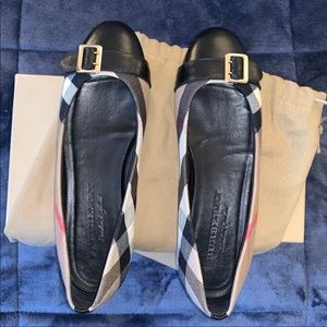Burberry flats size 38